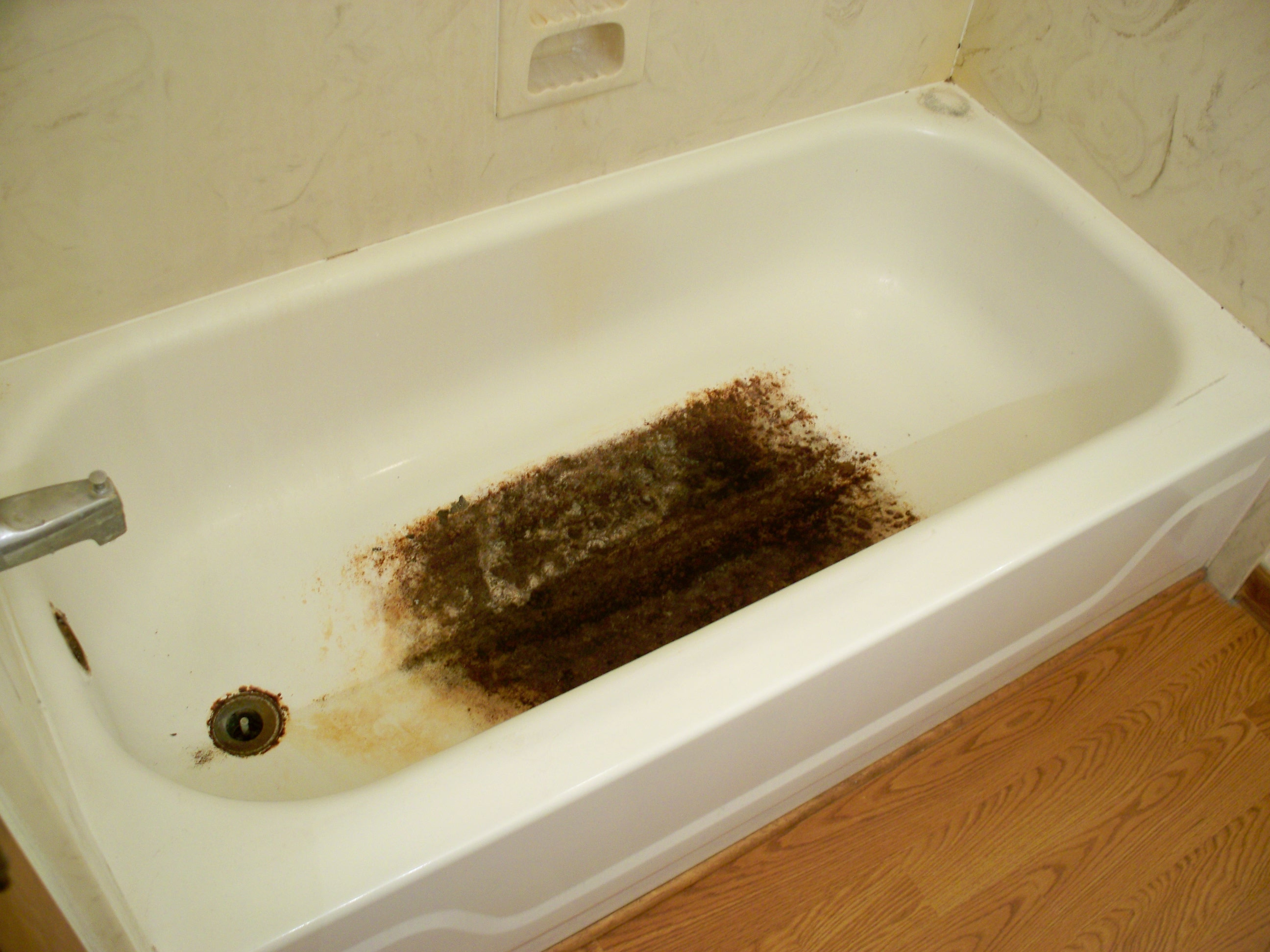 bathtub mat destroys tub
