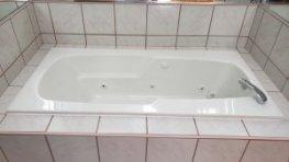 St. Charles jetted bathtub refinishing job
